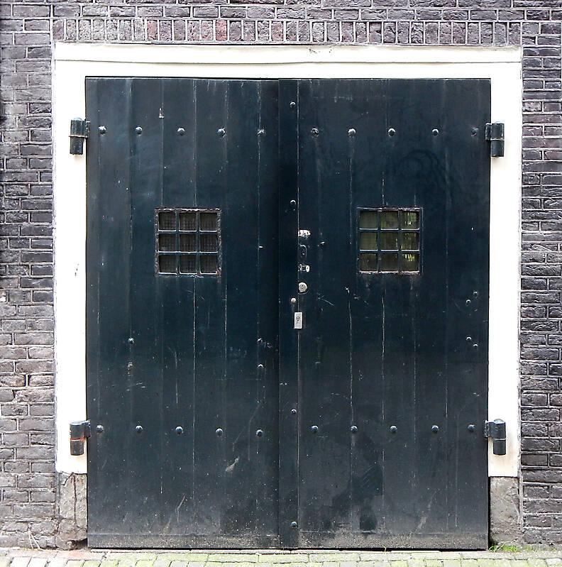 medieval big squared door