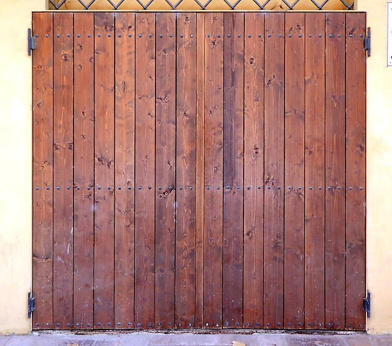 old clean decorated wood door 4
