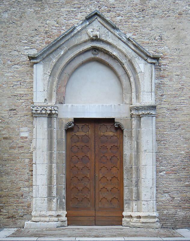 Texture old door rome downtown 14 medieval doors for 14 door
