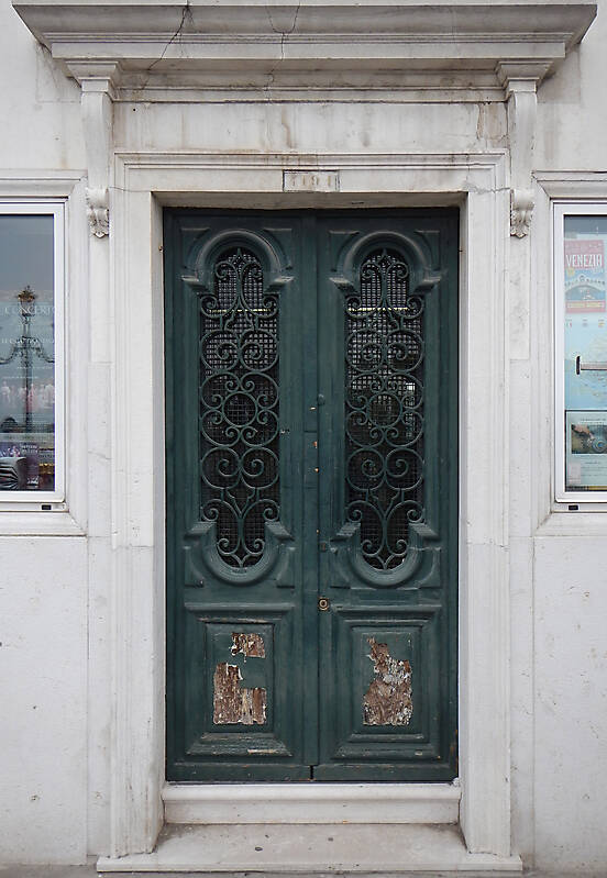ornate wood door from venice 5