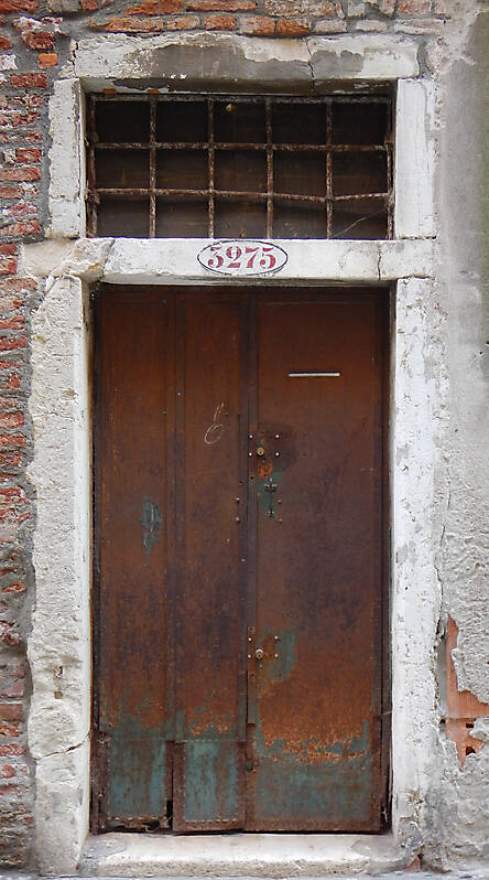 rusted metal door from venice 10
