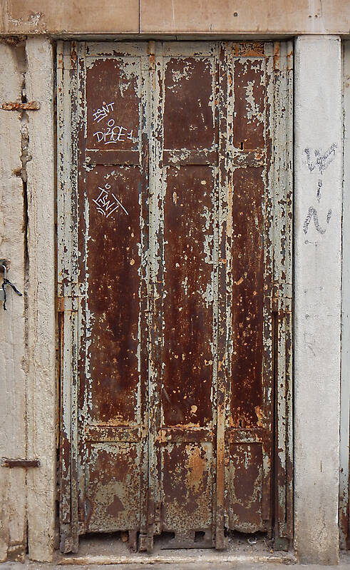 rusted metal door from venice 1