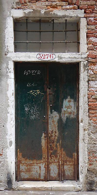 rusted metal door from venice 6