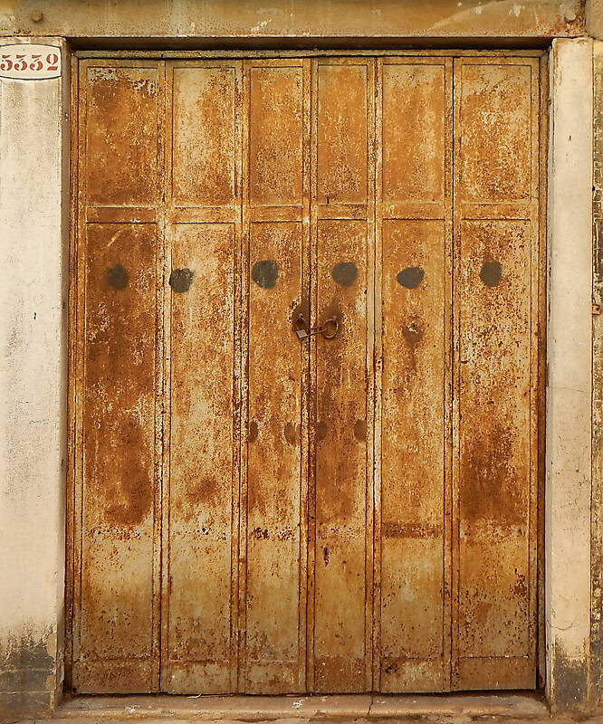 rusted metal door from venice 9