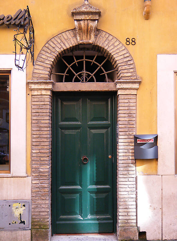 old door rome downtown 4