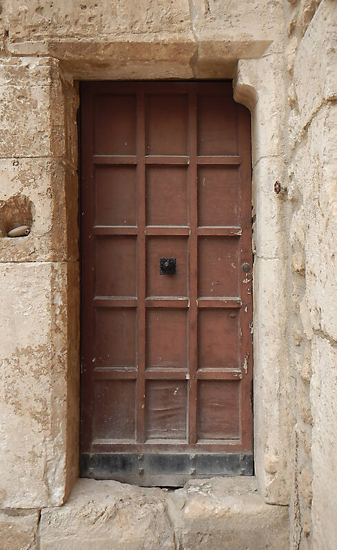 old door brown 1