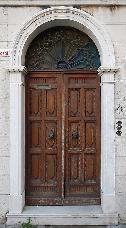 ornate wood door from venice 13