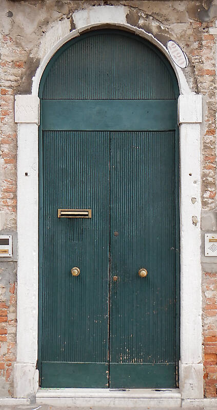 wooden door from venice 15