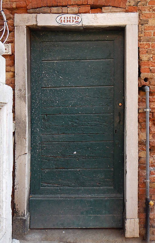 wooden door from venice 29