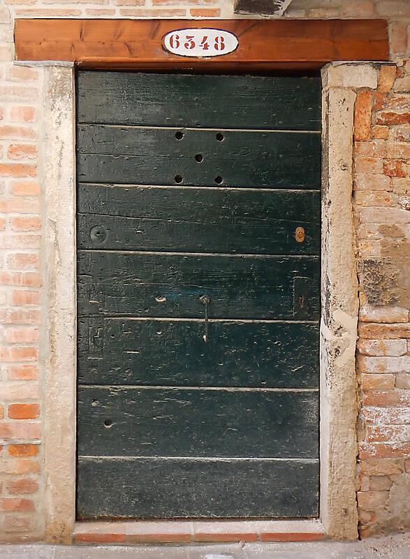 wooden door from venice 38