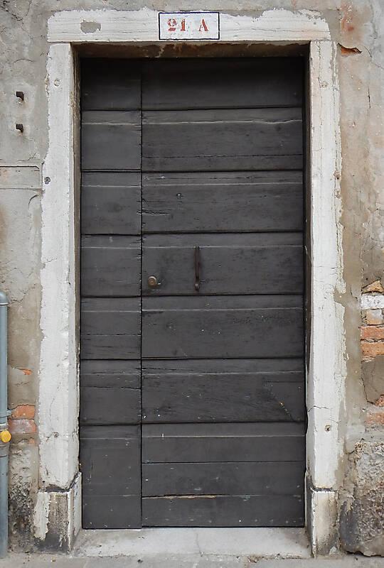 wooden door from venice 9