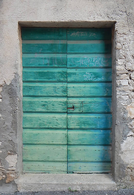 old door green paint 10