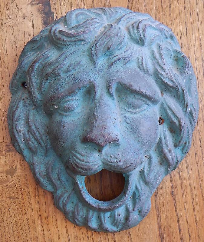 bronze ornament lion face