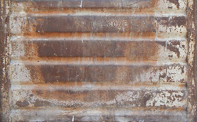 very rusty metal paint box 3