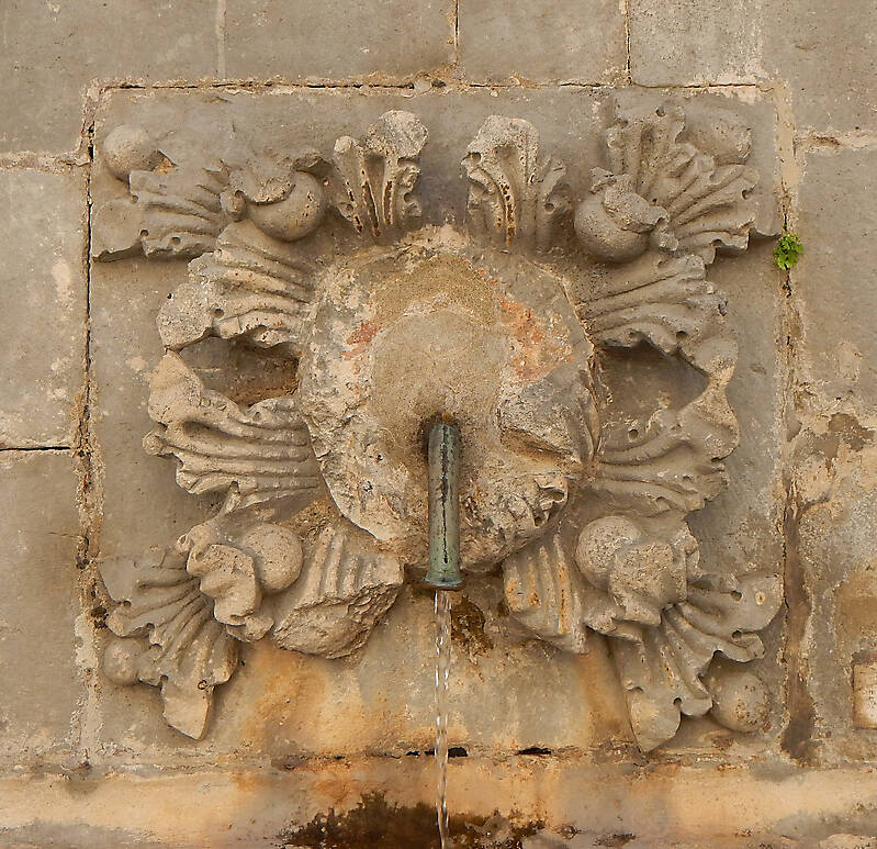 medieval fountain stone decoration 1