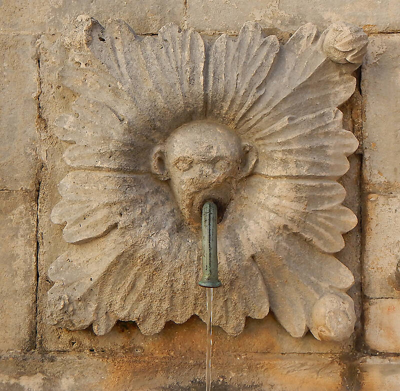 medieval fountain stone decoration 3