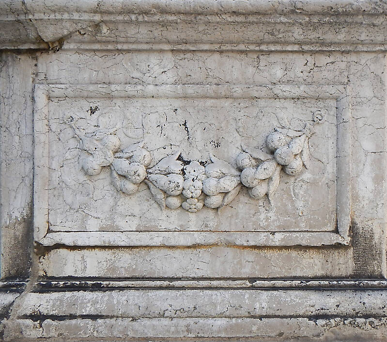 medieval stone ornament venice 20