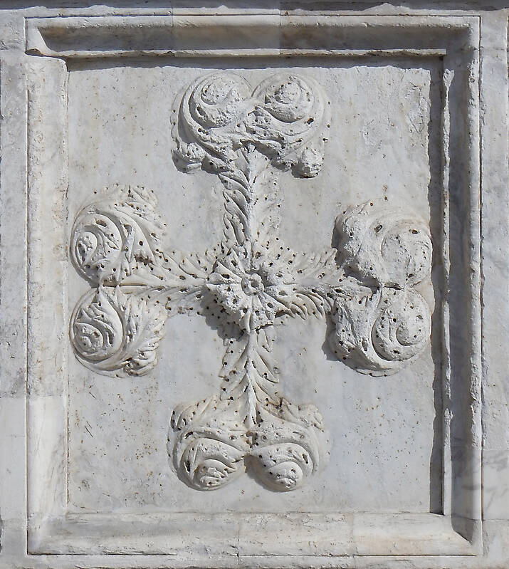 old stone emblem from florence 9