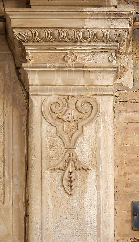 stone pillar decoration