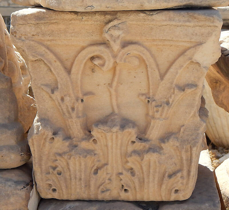 greek stone pillar capital 3