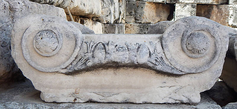 greek stone pillar capital 5