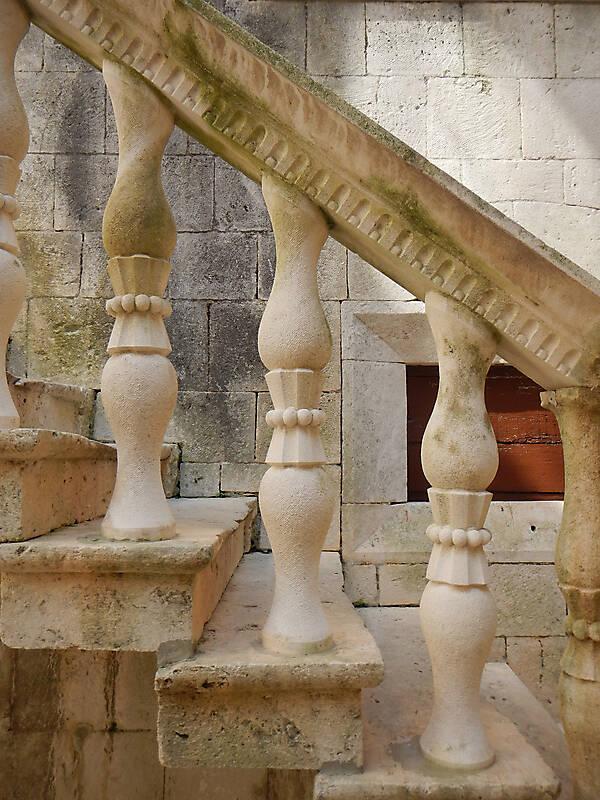 Textured Stone Pillar : Texture little stone pillars stairs