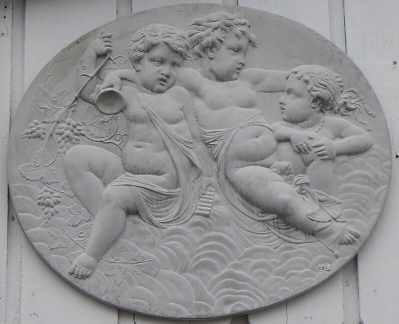 cupido angels cement decoration