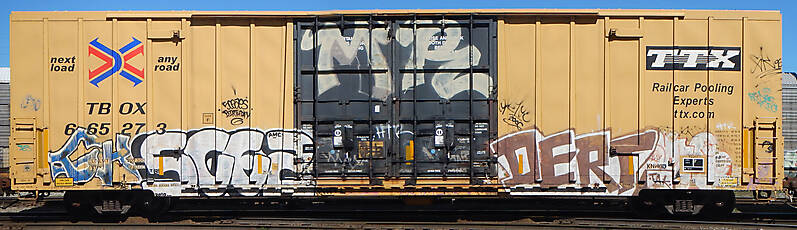 train wagon rusty 18