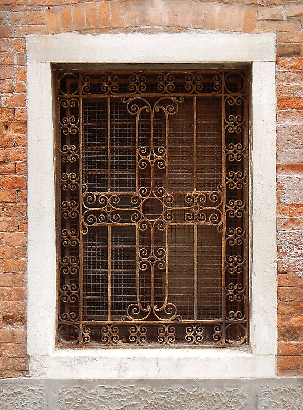 old window from venice 13