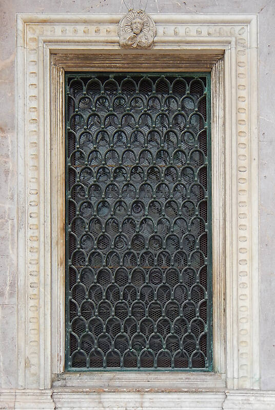 old window from venice 14