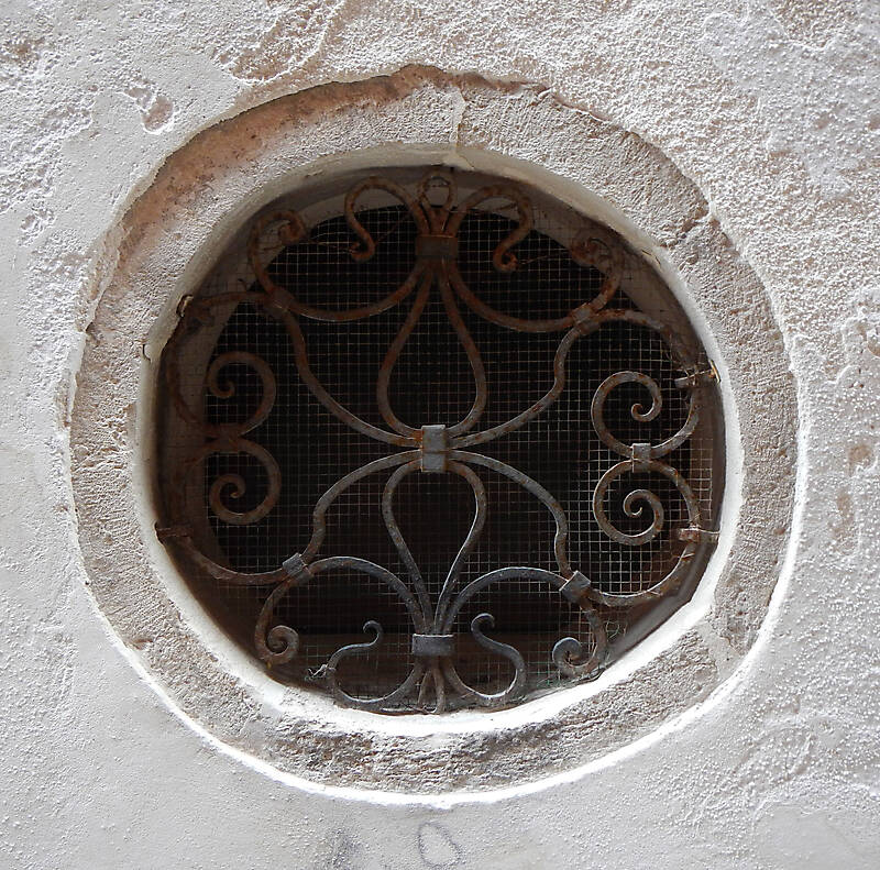 old window from venice 17