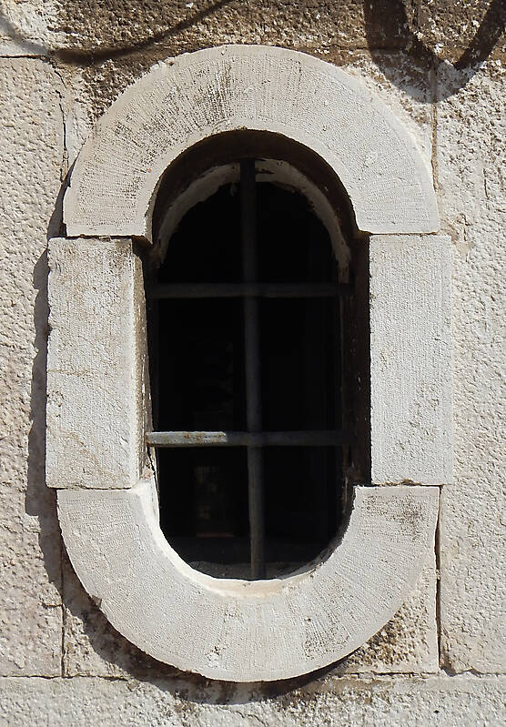 old window from venice 29