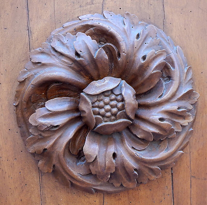 flowers and leaf wood ornament