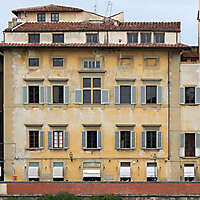 old florence building gray windows 15