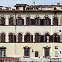 old florence building red windows 13