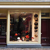 old style shop europe 4