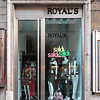 rome street shops 2