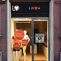 rome street shops 3