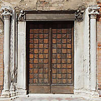 ornate wood door from venice 10