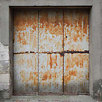 very rusty paint garage door