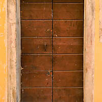 wooden door from venice 24