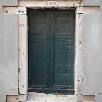 wooden door from venice 26