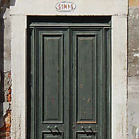 wooden door from venice 28