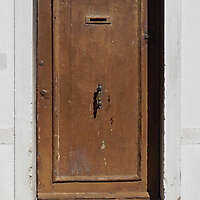 wooden door from venice 33