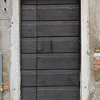 wooden door from venice 9