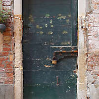 wooden door from venice 27