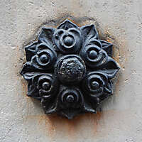 rusty emblem decoration 4
