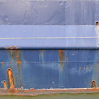 rusty paint ship hull 1