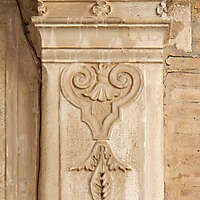 stone pillar decoration