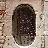 old window from venice 18
